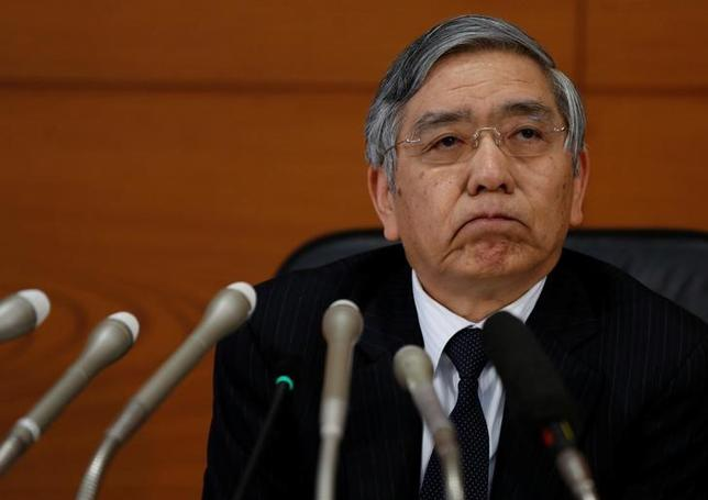 4月4日、黒田東彦日銀総裁は衆院財務金融委員会で、日銀による上場投資信託(ETF)の買い入れは物価2%目標の早期実現に必要な政策と述べ、株式市場の価格形成を歪めてはいない、との認識を示した。写真は都内で1月撮影(2016年 ロイター/Toru Hanai)