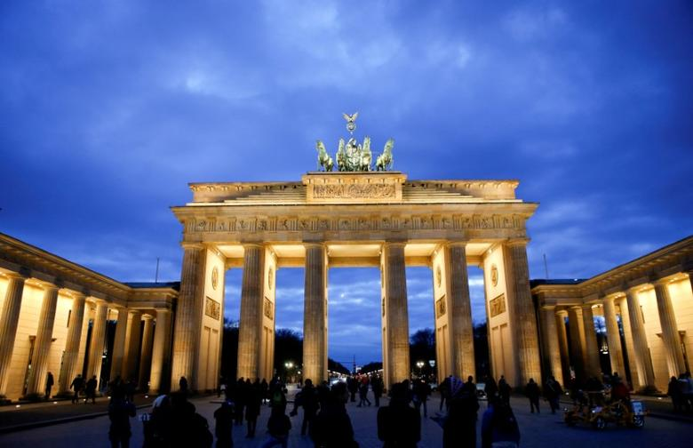 FILE PHOTO: The Brandenburg Gate is seen during sunset in Berlin, Germany, March 22, 2016.      REUTERS/Fabrizio Bensch/File Photo