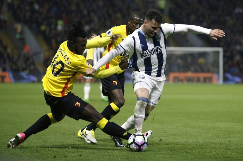 West Bromwich Albion's Hal Robson-Kanu in action with Watford's Isaac Success  Action Images via Reuters / Andrew Couldridge