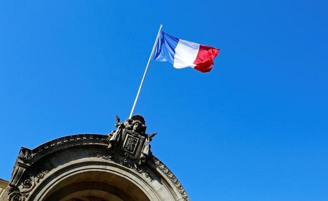 4月5日、フランスの最新の世論調査で、4日夜に行われた大統領選候補11人によるテレビ討論会で最も説得力があったとされたのは急進左派のメランション氏だった。写真はパリで昨年5月撮影(2017年 ロイター/Jacky Naegelen)