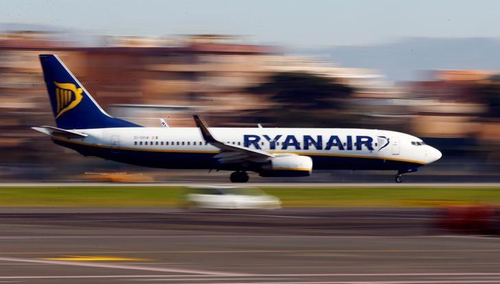 FILE PHOTO -  A Ryanair aircraft lands at Ciampino Airport in Rome, Italy December 24, 2016. REUTERS/Tony Gentile/File Photo