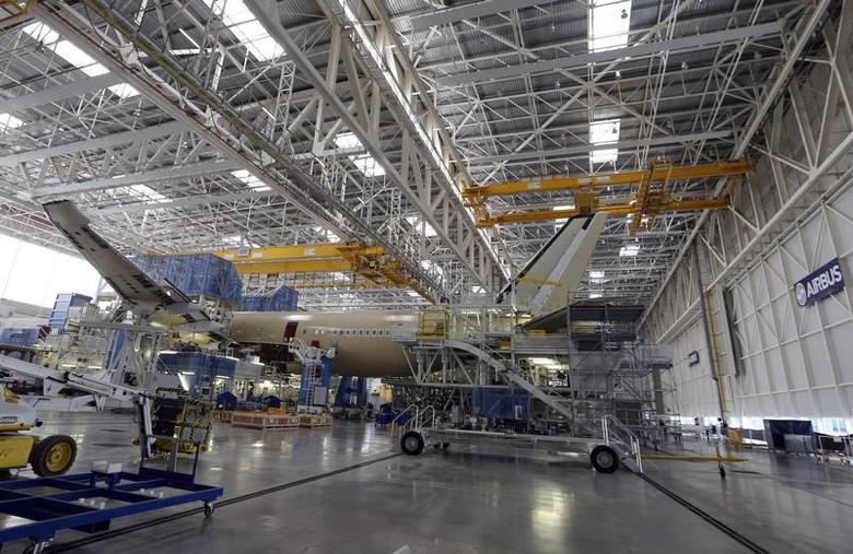 FILE PHOTO: General view of an Airbus A350 is pictured at the final assembly line at Airbus headquarters in Toulouse, December 4, 2014.  REUTERS/ Regis Duvignau