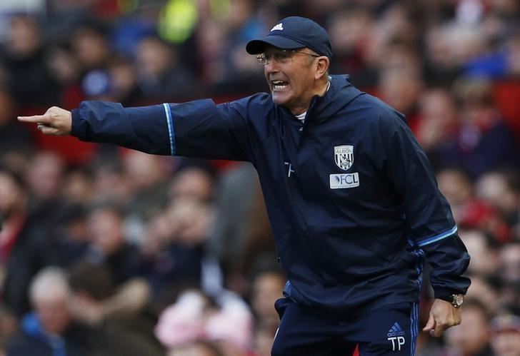 Britain Soccer Football - Manchester United v West Bromwich Albion - Premier League - Old Trafford - 1/4/17 West Bromwich Albion manager Tony Pulis  Action Images via Reuters / Lee Smith Livepic