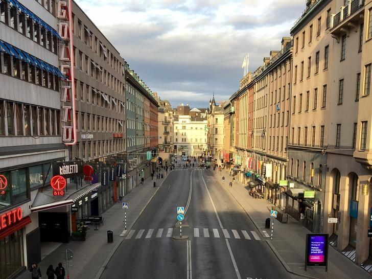 An empty Kungsgatan street, sealed off from cars a few blocks from the attack site in the central Stockholm, Sweden, April 7, 2017. REUTERS/Anna Ringstrom