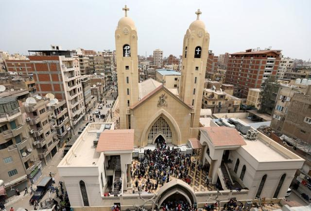 A general view is seen as Egyptians gather by a Coptic church that was bombed on Sunday in Tanta, Egypt, April 9, 2017.  REUTERS/Mohamed Abd El Ghany