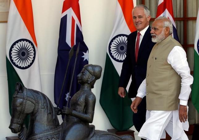4月10日、オーストラリアのターンブル首相は、訪問先のインドでモディ首相と会談し、包括的経済協力協定(CECA)締結に向けた交渉を再開することで合意した。インド・ニューデリーのハイデラバード・ハウスで撮影(2017年 ロイター/Adnan Abidi)