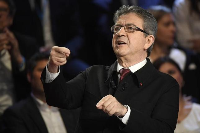 4月11日、仏大統領選の最新世論調査で、メランション氏が3位に浮上した。写真はパリ近郊で4日代表撮影(2017年 ロイター)