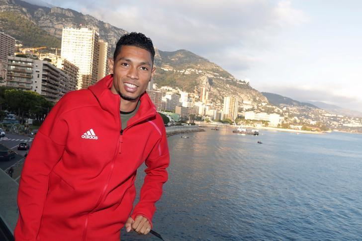 Wayde Van Niekerk of South Africa poses after a press conference for the 2016 IAAF Athletics Awards in Monaco, December 2, 2016.  REUTERS/Eric Gaillard