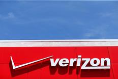 FILE PHOTO -- A Verizon sign is seen at a retail store in San Diego, California, U.S. on April 21, 2016.  REUTERS/Mike Blake/File Photo