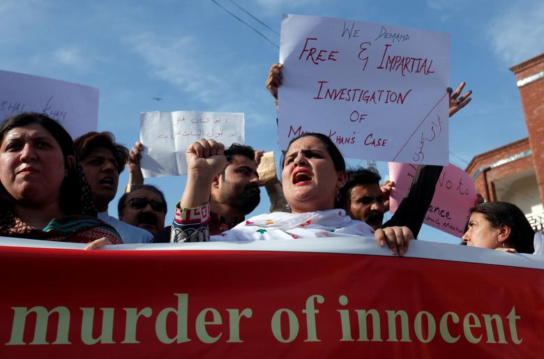 People demonstrate after the killing Mashal Khan, accused of blasphemy, by a mob at Abdul Wali Khan University in Mardan, during a protest in Peshawar, Pakistan April 14, 2017. REUTERS/Fayaz Aziz