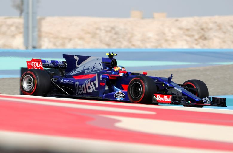 Formula One - F1 - Bahrain Grand Prix - Sakhir, Bahrain - 15/04/17 - Toro Rosso Formula One driver Carlos Sainz of Spain drives during the third practice session. REUTERS/Hamad I Mohammed