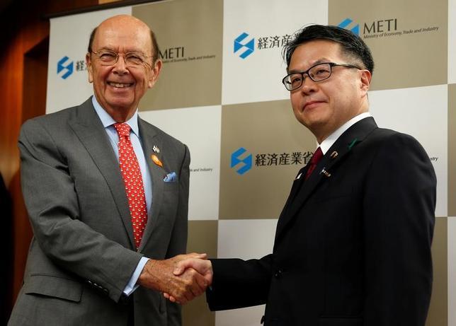 4月18日、世耕弘成経済産業相とロス米商務長官との会談が午前10時過ぎに経産省で始まった(2017年 ロイター/Issei Kato)