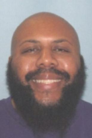 Steve Stephens, who Cleveland Division of Police said was being sought in connection with the killing of an individual, is seen in an undated handout photo released April 16, 2017.  Cleveland Police/Handout via REUTERS