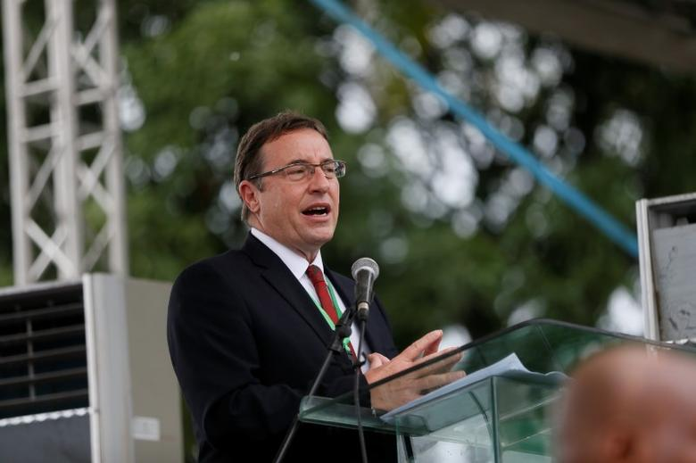 Achim Steiner speaks in Bodo, Nigeria, during the start of an exercise to clean up pollution in Ogoni land, Nigeria June 2, 2016. REUTERS/Afolabi Sotunde