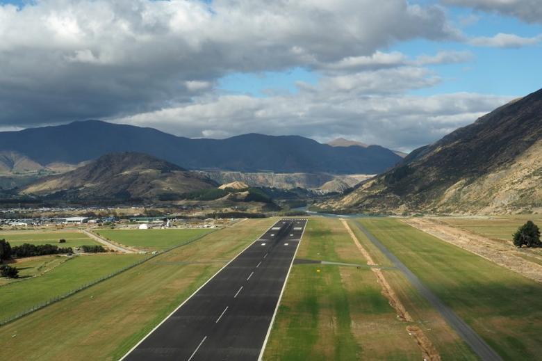 Queenstown airport in New Zealand March 7, 2017.       REUTERS/Henning Gloystein