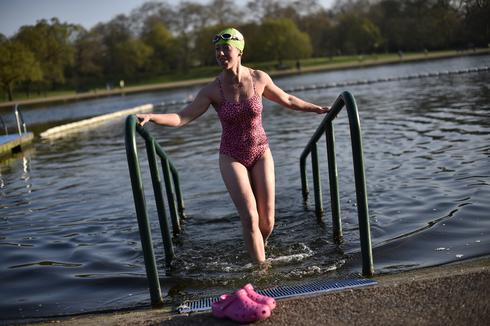 Spring swimming in London's Hyde Park