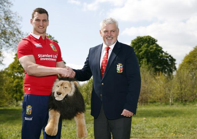 Britain Rugby Union - British & Irish Lions squad announcement for the 2017 tour to New Zealand - Hilton London Syon Park - 19/4/17 British & Irish Lions captain Sam Warburton poses with head coach Warren Gatland after the squad announcement Action Images via Reuters / Paul Childs Livepic