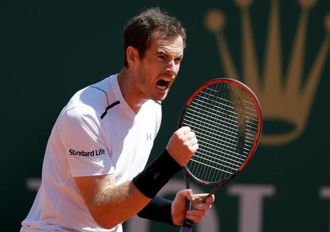 4月19日、男子テニスのマスターズ・モンテカルロ大会、シングルス2回戦、世界ランク1位で第1シードのアンディ・マリー(写真)はジレ・ミュラーを7─5、7─5で下した(2017年 ロイター/Eric Gaillard)