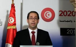 Tunisia's Prime Minister Youssef Chahed speaks during a news conference with his French counterpart Manuel Valls in Tunis, Tunisia November 28, 2016. REUTERS/Zoubeir Souissi