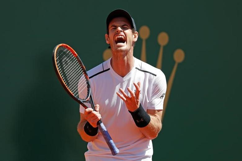 Tennis - Monte Carlo Masters - Monaco, 20/04/2017. Andy Murray of Britain reacts during his match against Albert Ramos-Vinolas of Spain.      REUTERS/Eric Gaillard