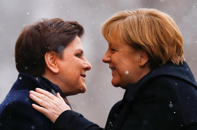 FILE PHOTO: Poland's Prime Minister Beata Szydlo greets German Chancellor Angela Merkel in Warsaw, Poland February 7, 2017. REUTERS/Kacper Pempel/File Photo