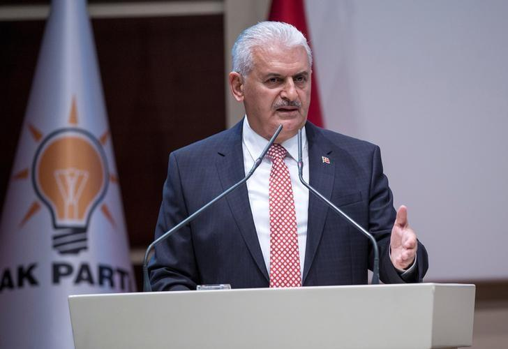 Turkish Prime Minister Binali Yildirim makes a speech during a meeting in Ankara, Turkey, April 19, 2017. Ali Balikci/Prime Minister's Press Office/Handout via REUTERS/Files