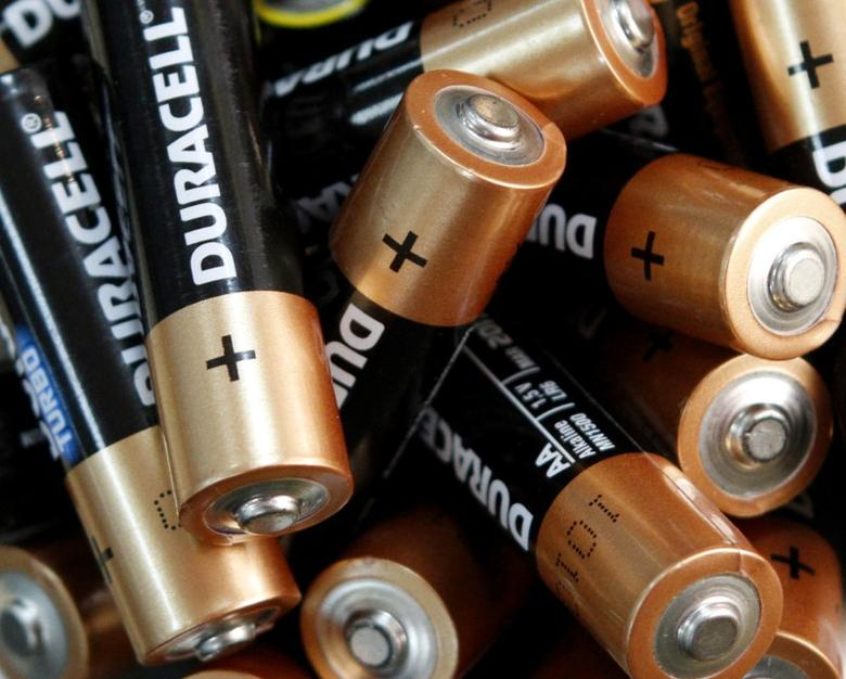 FILE PHOTO: Used Duracell batteries are seen in an office in Kiev April 17, 2012.  REUTERS/Anatolii Stepanov