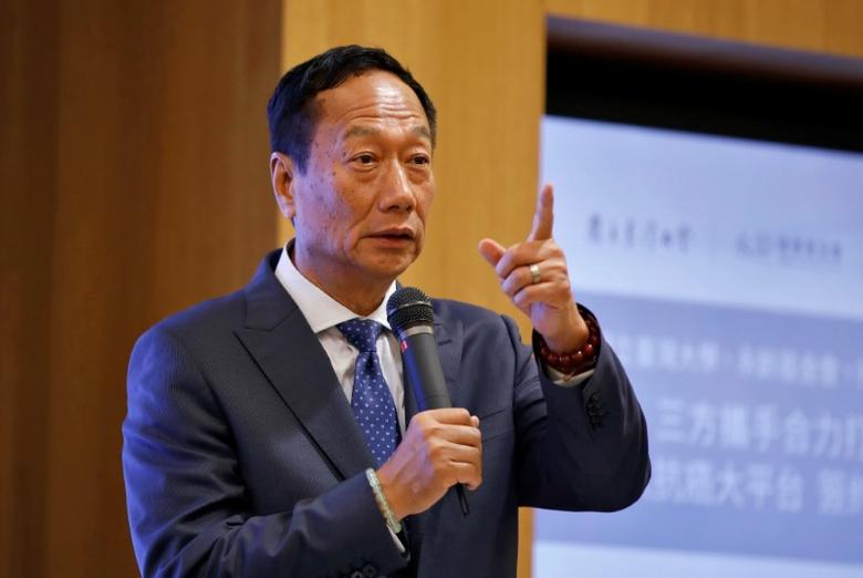 Terry Gou, chairman of Hon Hai Precision Industry, better known as Foxconn, attends the Cancer Moonshot news conference in Taipei, Taiwan September 26, 2016. REUTERS/Tyrone Siu