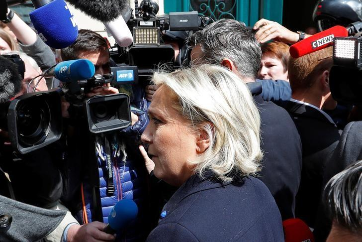Marine Le Pen, French National Front (FN) political party leader and candidate for French 2017 presidential election, arrives at her campaign headquarters in Paris, France, April 28, 2017. REUTERS/Charles Platiau
