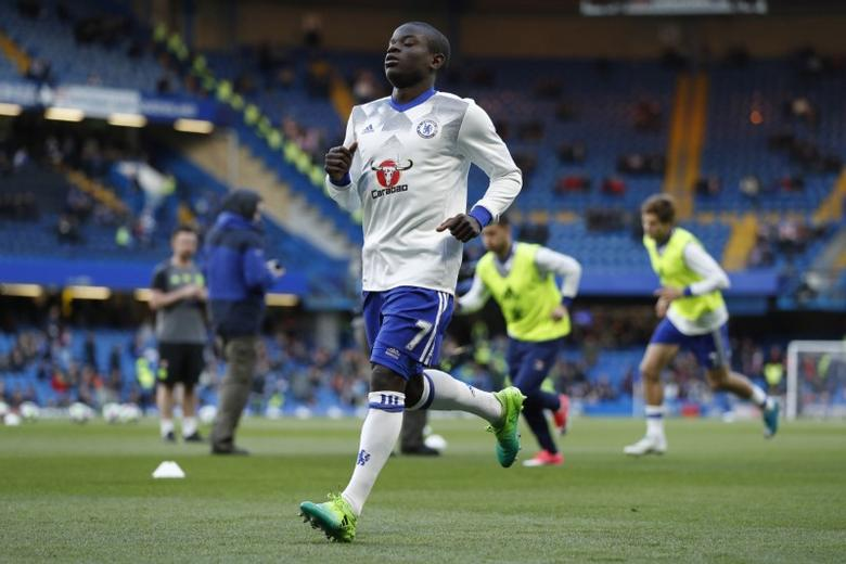 Britain Football Soccer - Chelsea v Southampton - Premier League - Stamford Bridge - 25/4/17 Chelsea's N'Golo Kante warms up before the match  Action Images via Reuters / John Sibley Livepic/File Photo