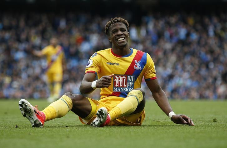 Britain Soccer Football - Manchester City v Crystal Palace - Premier League - Etihad Stadium - 6/5/17 Crystal Palace's Wilfried Zaha looks dejected  Reuters / Andrew Yates Livepic
