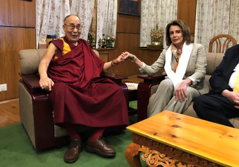 U.S. House Minority Leader Nancy Pelosi meets Tibetan spiritual leader the Dalai Lama at his headquarters in Dharamsala, India May 9, 2017. REUTERS/Douglas Busvine