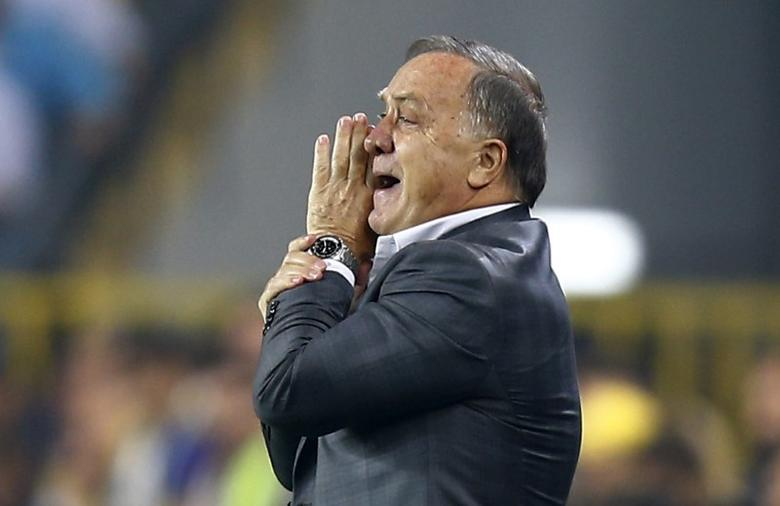 FILE PHOTO: Football Soccer - Fenerbahce SK v Manchester United - UEFA Europa League Group Stage - Group A - SK Sukru Saracoglu Stadium, Istanbul, Turkey - 3/11/16 Fenerbahce coach Dick Advocaat  Reuters / Osman Orsal Livepic