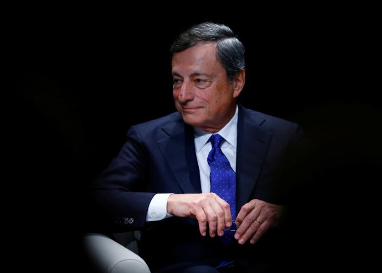 European Central Bank (ECB) President Mario Draghi attends a ceremony to receive the Gold Medal of the Jean Monnet Fondation for Europe in Lausanne, Switzerland May 4, 2017.  REUTERS/Denis Balibouse