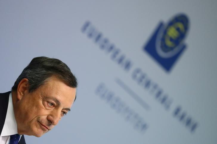 European Central Bank (ECB) President Mario Draghi arrives for a news conference at the ECB headquarters in Frankfurt, Germany, April 27, 2017.  REUTERS/Kai Pfaffenbach/File Photo