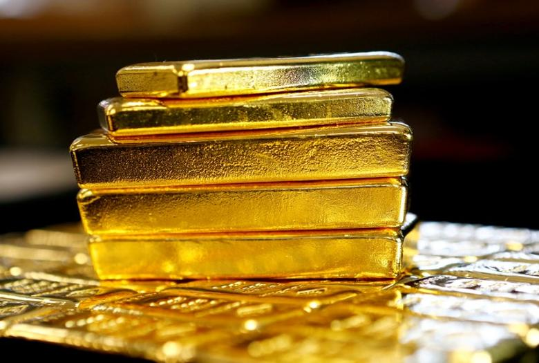 FILE PHOTO: Gold bars are seen at the Austrian Gold and Silver Separating Plant 'Oegussa' in Vienna, Austria, March 18, 2016.   REUTERS/Leonhard Foeger/File Photo