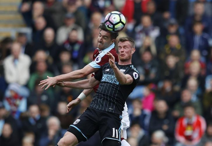 Britain Soccer Football - Burnley v West Bromwich Albion - Premier League - Turf Moor - 6/5/17 West Bromwich Albion's Chris Brunt in action with Burnley's Stephen Ward  Reuters / Phil Noble Livepic