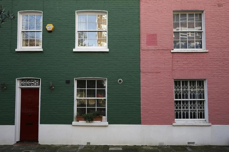 Houses are seen in London, Britain January 19, 2017.  REUTERS/Stefan Wermuth