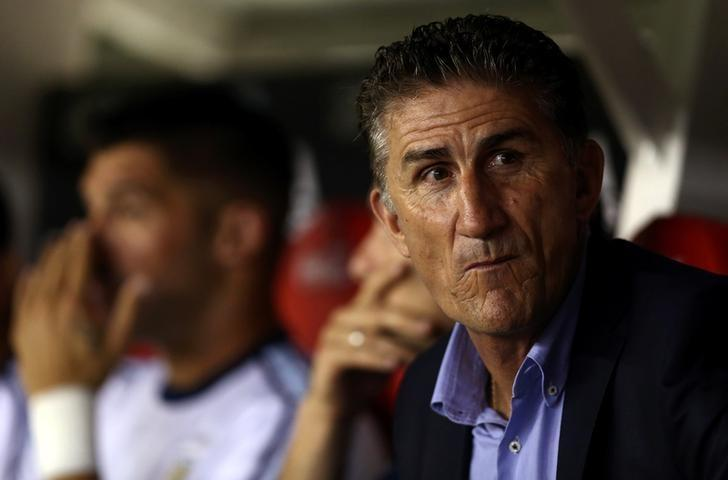 FILE PHOTO:Football Soccer - Argentina v Chile - World Cup 2018 Qualifiers - Antonio Liberti Stadium, Buenos Aires, Argentina - 23/3/17 - Argentina's soccer team head coach Edgardo Bauza looks on.   REUTERS/Marcos Brindicci/File Photo