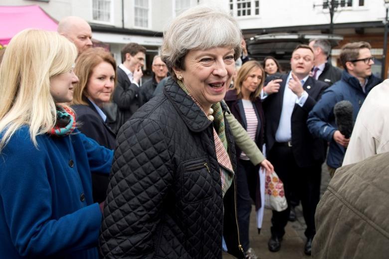 Britain's Prime Minister Theresa May makes a campaign visit to Abingdon Market near Oxford, May 15, 2017. REUTERS/Justin Tallis/Pool