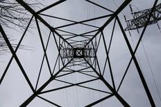 A high-tension electrical power pylon is pictured in Moscow region, Russia, February 17, 2016. REUTERS/Maxim Zmeyev