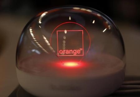 Logo Orange dans une boule de verre