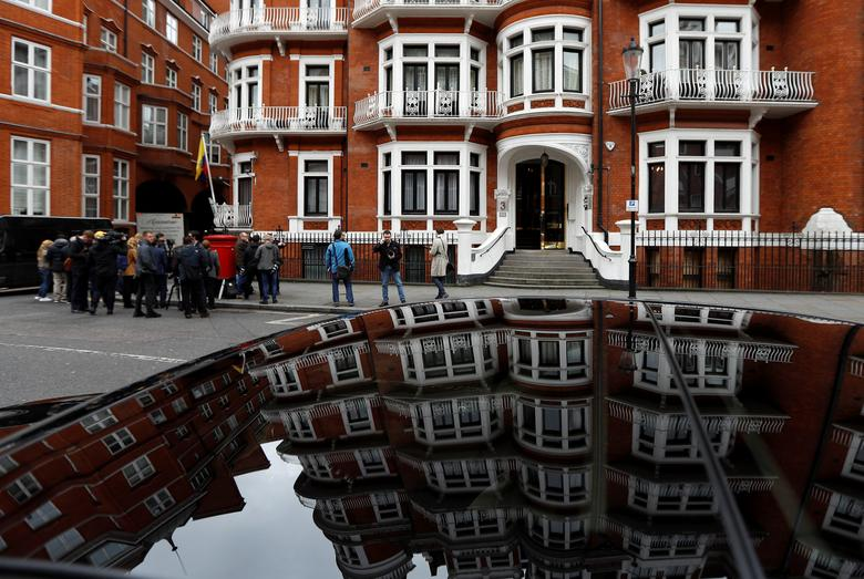 Journalists are seen outside the Ecuadorian embassy where WikiLeaks founder Julian Assange is taking refuge, in London, Britain, May 19, 2017. REUTERS/Peter Nicholls
