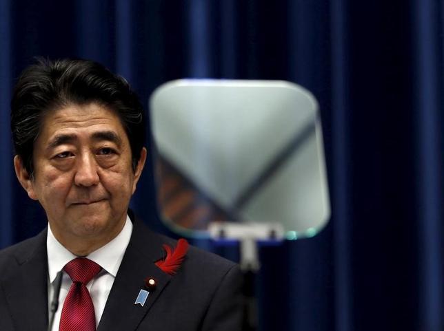 5月19日、TPPに参加する米国以外の11カ国は、TPP発効を目指す方針に変わりがないことを確認する声明を発表する見通しだ。写真は安倍晋三首相、2015年10月撮影。(2017年 ロイター/Yuya Shino)
