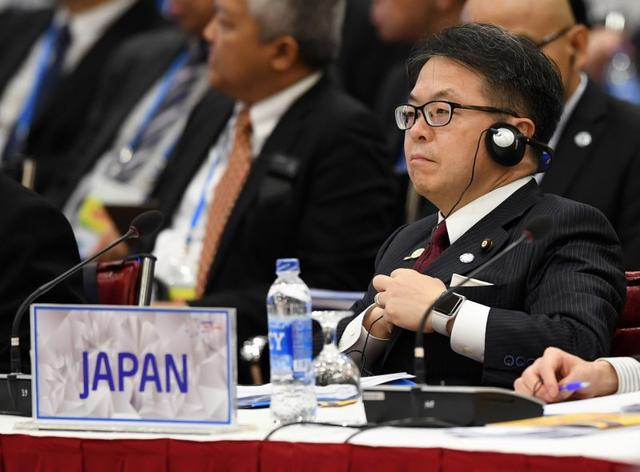Japan's Trade Minister Hiroshige Seko attends the APEC Ministers Responsible For Trade meeting in Hanoi, Vietnam May 20, 2017. REUTERS/Hoang Dinh Nam/Pool