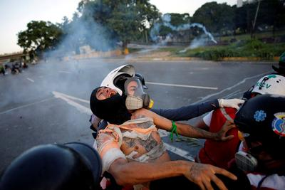 Deadly protest at Venezuela airbase