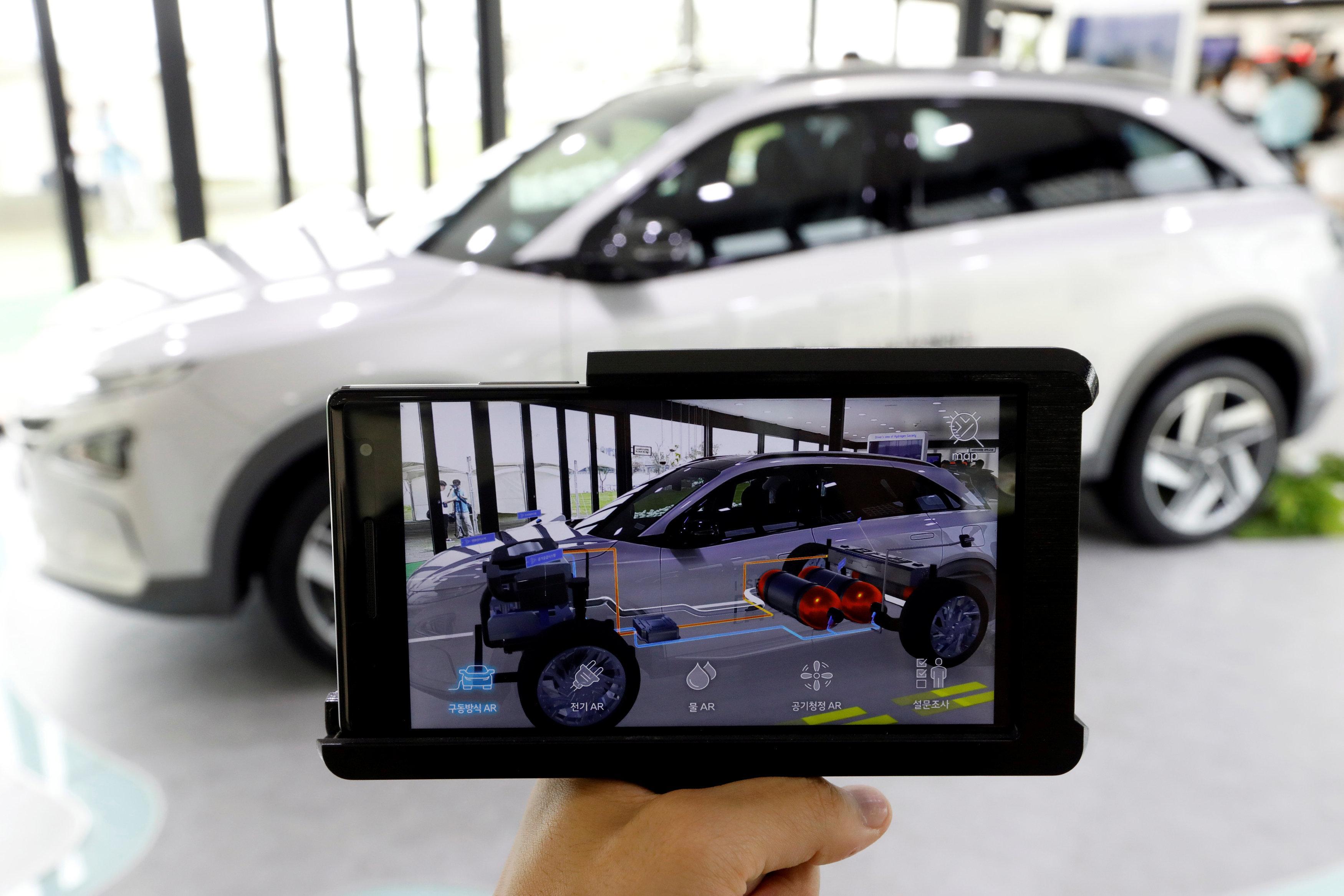 Hyundai Plans Long Range Premium Electric Car In Strategic