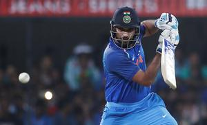 India v Australia: India clinch ODI series