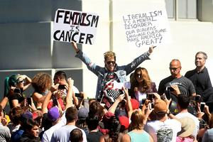 Milo Yiannopoulos speaks at Berkeley