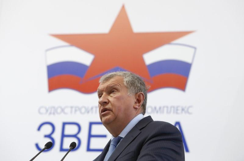 Rosneft Chief Executive Igor Sechin delivers a speech at the Zvezda shipyard in the far eastern town of Bolshoy Kamen, Russia September 8, 2017. Sergei Karpukhin